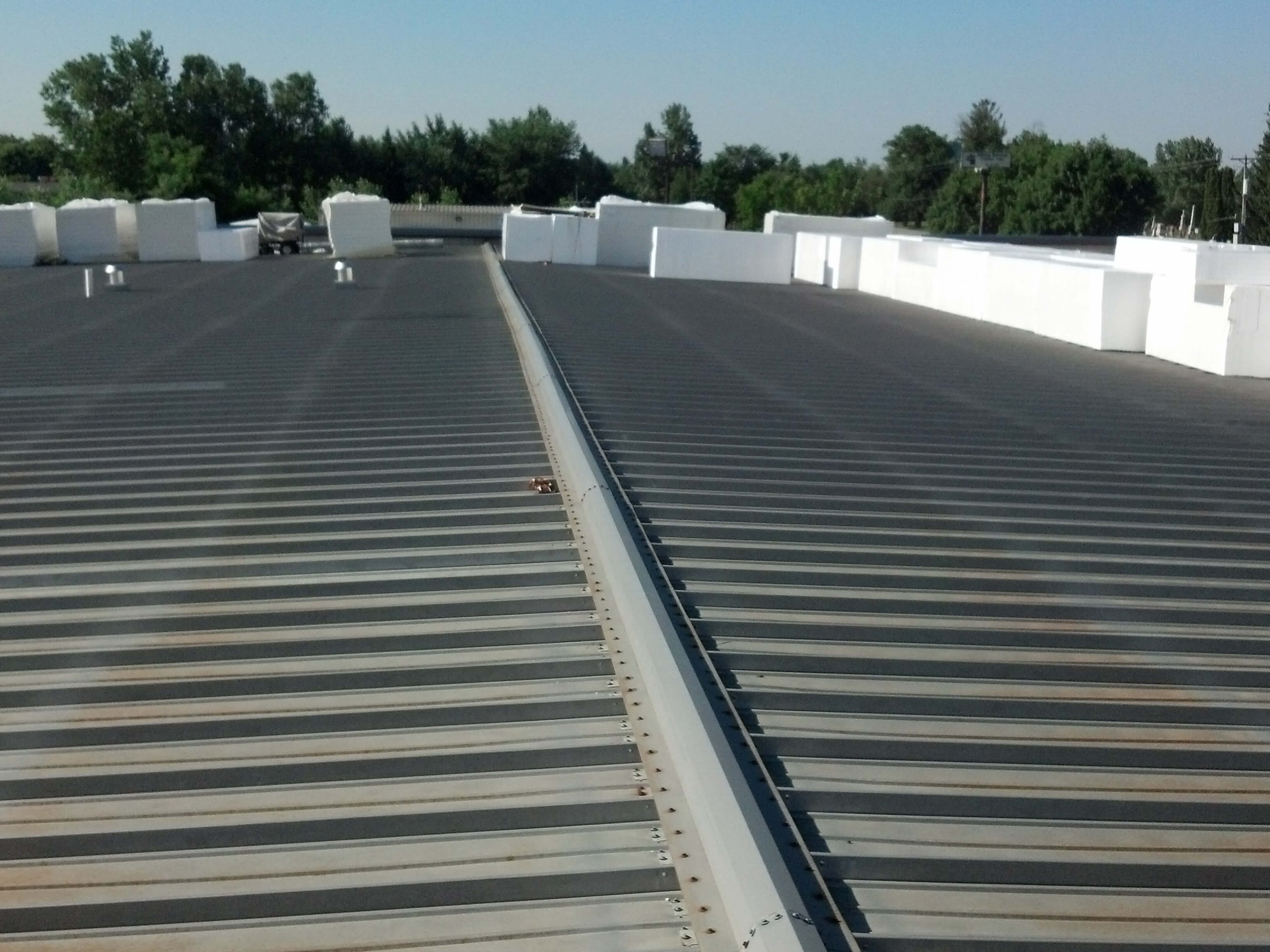 commercial roofing restoration with single ply